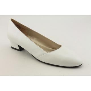 David Tate Women's 'Blazer' Leather Dress Shoes - Extra Wide (Size 8)