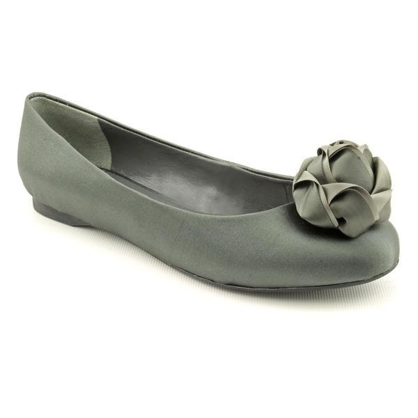 Paris Hilton Women's 'Briana' Satin Dress Shoes (Size 7.5)