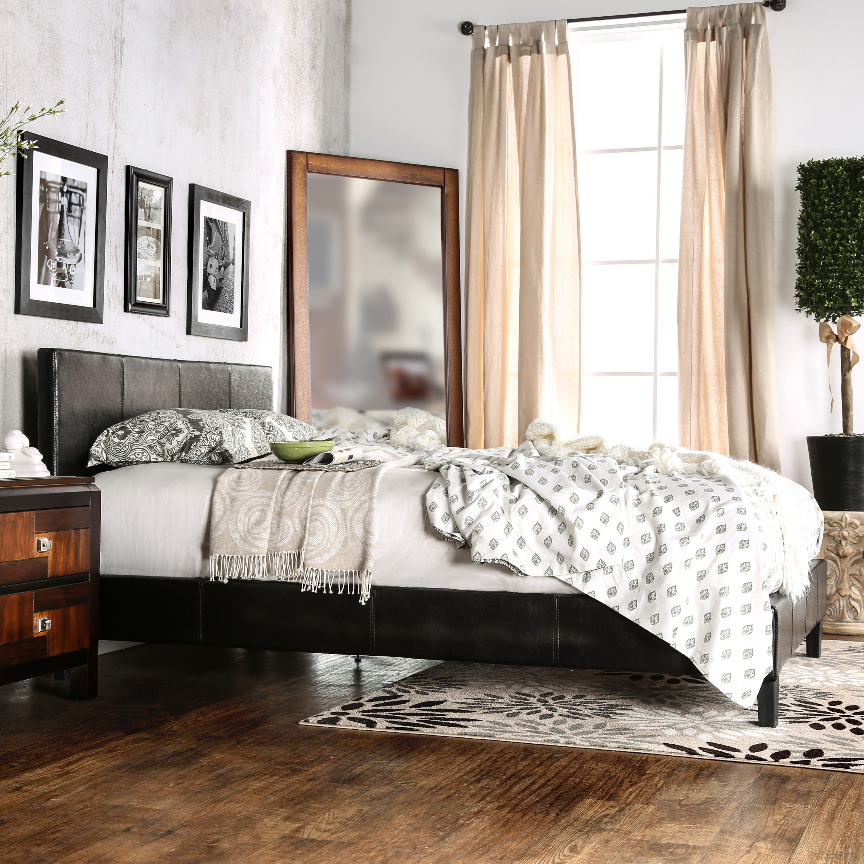 Furniture of America Kutty Queen Padded Leatherette Platform Bed ...