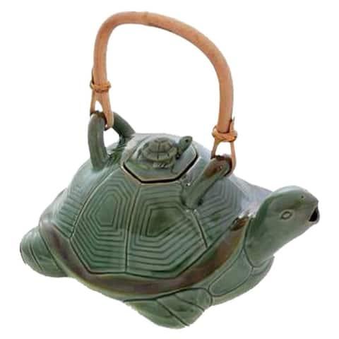 Handmade 7.9-inch Ceramic 'Mother Sea Turtle' Teapot (Indonesia)