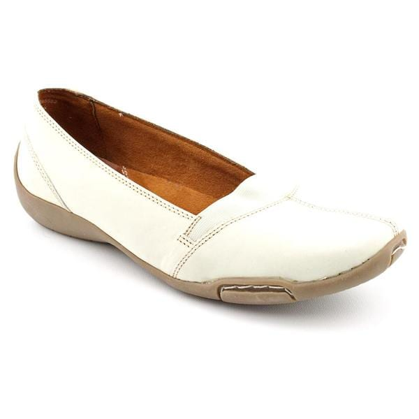 Auditions Women's 'Hanover' Nubuck Casual Shoes - Narrow (Size 9)