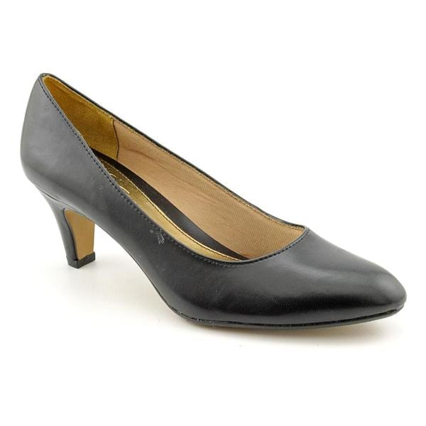Sable color dress shoes