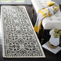 "Safavieh Handmade Cambridge Moroccan Black/ Ivory Rug - 2'6"" x 6'"