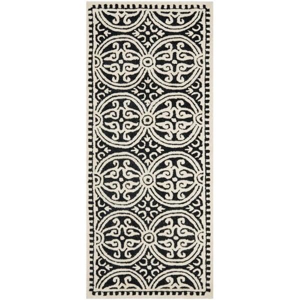 "Safavieh Handmade Cambridge Moroccan Black/ Ivory Rug (2'6"""" x 6')"