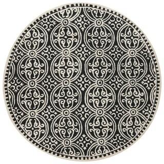 Safavieh Handmade Cambridge Moroccan Black/ Ivory Rug (4' Round)