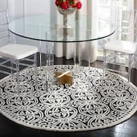 Safavieh Handmade Cambridge Moroccan Black/ Ivory Rug - 4' x 4' Round