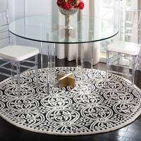 Safavieh Handmade Cambridge Moroccan Black/ Ivory Rug - 6' x 6' Round