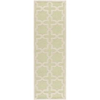 Safavieh Handmade Moroccan Cambridge Light Green Wool Rug (2'6 x 6')