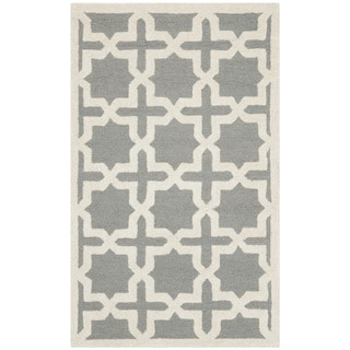 Safavieh Handmade Moroccan Cambridge Silver Wool Rug (2'6 x 4')