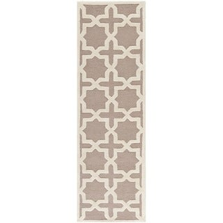 Safavieh Handmade Moroccan Cambridge Beige Wool Rug (2'6 x 10')