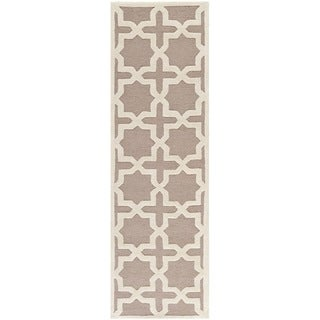 Safavieh Handmade Moroccan Cambridge Beige Wool Rug (2'6 x 6')