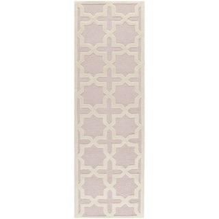 Safavieh Handmade Moroccan Cambridge Light Pink Wool Rug (2'6 x 8')