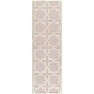 Safavieh Handmade Moroccan Cambridge Light Pink Wool Rug (2'6 x 10')
