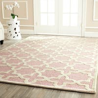 Safavieh Handmade Moroccan Cambridge Light Pink Wool Rug - 8' x 10'