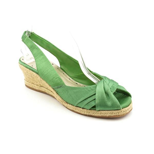 Bella Vita Women's 'Sangria' Fabric Sandals - Narrow (Size 9.5)