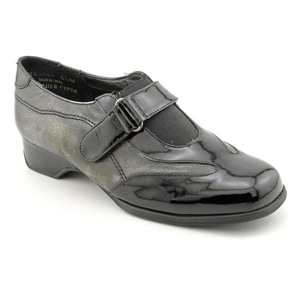 Ros Hommerson Women's 'Whitley' Leather Casual Shoes - Wide (Size 6)