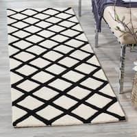 "Safavieh Handmade Moroccan Chatham Ivory Wool Runner Rug - 2'3"" x 7'"