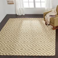 Indoor/ Outdoor Hand-hooked Beige/ Ivory Geometric Area Rug - 9'3 x 13'