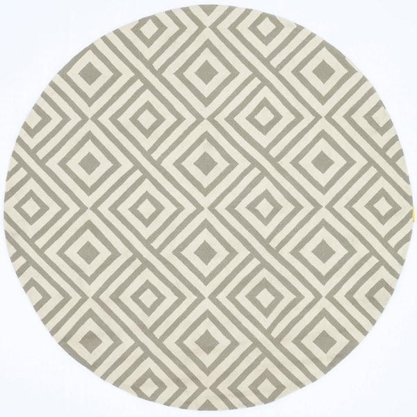 Hand-hooked Indoor/ Outdoor Capri Grey/ Ivory Area Rug (7'10 Round)