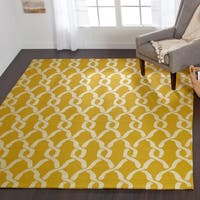 Hand-hooked Indoor/ Outdoor Capri Gold Rug - 7'6 x 9'6