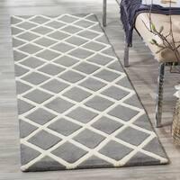 "Safavieh Handmade Moroccan Chatham Dark Grey Wool Rug - 2'3"" x 9'"