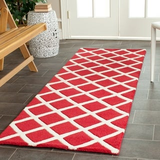 Safavieh Handmade Moroccan Chatham Red Geometric-pattern Wool Rug (2'3 x 7')