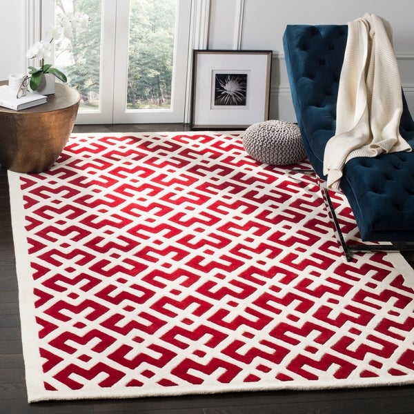 Safavieh Contemporary Handmade Moroccan Red Wool Rug - 8' x 10'