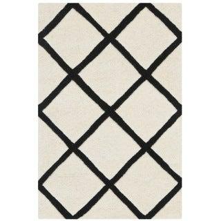 Safavieh Geometric Handmade Moroccan Ivory Wool Rug (2' x 3')