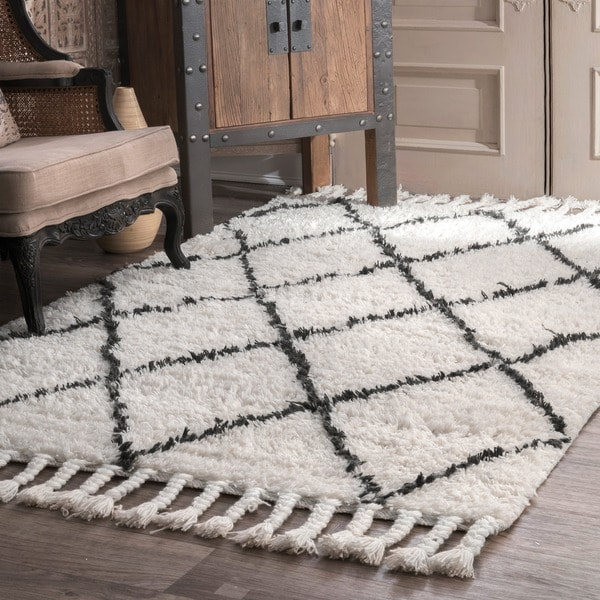 Nuloom Hand Knotted Moroccan Trellis Natural Shag Wool Rug