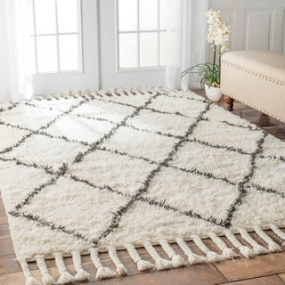 nuLOOM Hand-knotted Moroccan Trellis Natural Shag Wool Rug (5' x 8')