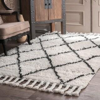NuLOOM Hand Knotted Moroccan Trellis Natural Shag Wool Rug (6u0027 X ...