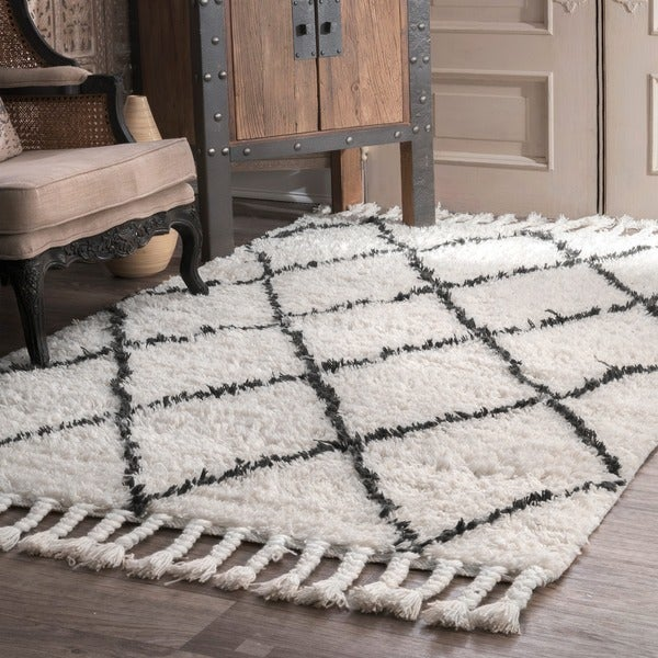 nuloom hand-knotted moroccan trellis natural shag wool rug (6' x 9