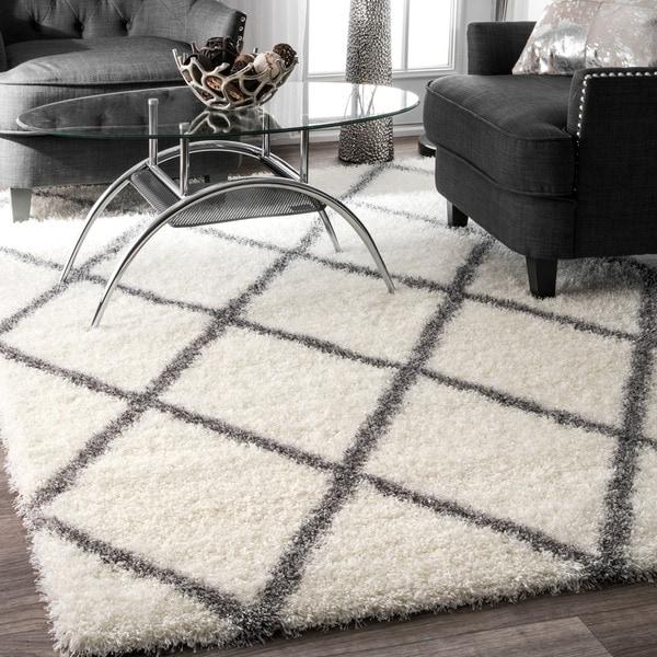 nuLOOM Soft and Plush Moroccan Trellis Shag Rug (4' x 6')