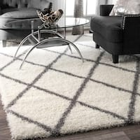 Clay Alder Home Colville Soft and Plush Moroccan Trellis Shag Rug (6'7 x 9')