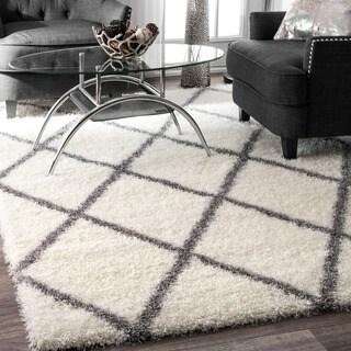Soft and Plush Moroccan Trellis Shag Rug (6'7 x 9') - 6'7 x 9' - 6'7 x 9'