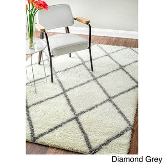 nuLOOM Soft and Plush Moroccan Trellis or Diamond Shag Rug (8' x 10')