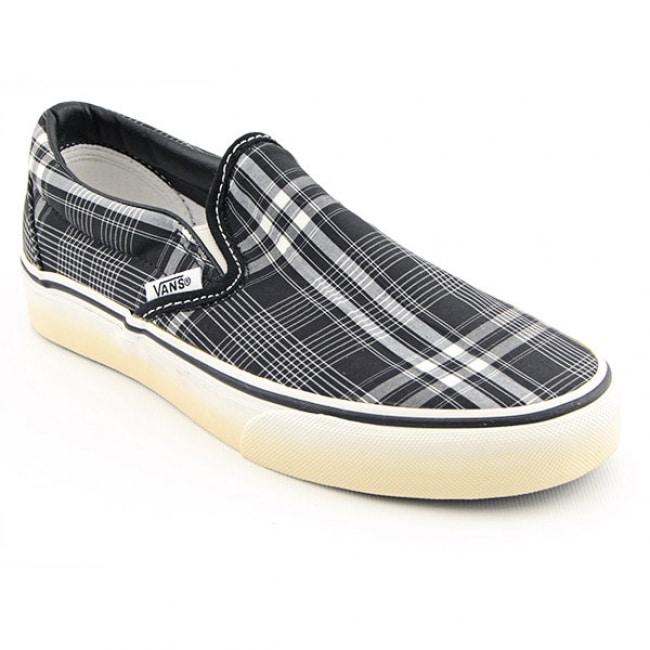 Shop Vans Women s  Classic Slip-On Harrigan Plaid  Black White Skate Shoes  (Size 5.5) - Free Shipping On Orders Over  45 - Overstock - 6349188 d5e6ecdaf