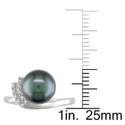 Miadora 14k White Gold Tahitian Pearl and 1/10ct TDW Diamond Ring (8-8.5 mm)(G-H, I1-I2)