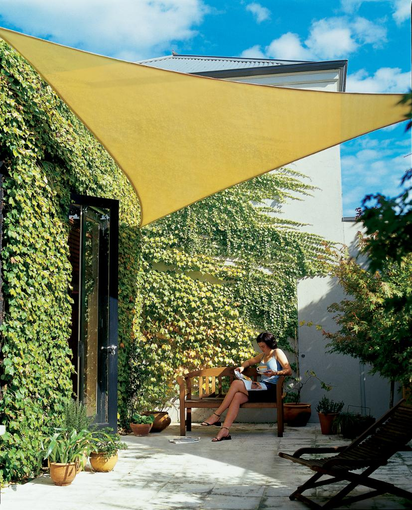 Gale pacific 336462 coolaroo triangle shade sail desert for Shadesails com