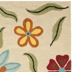 Safavieh Handmade Blossom Beige Floral Wool Rug (6' Square)