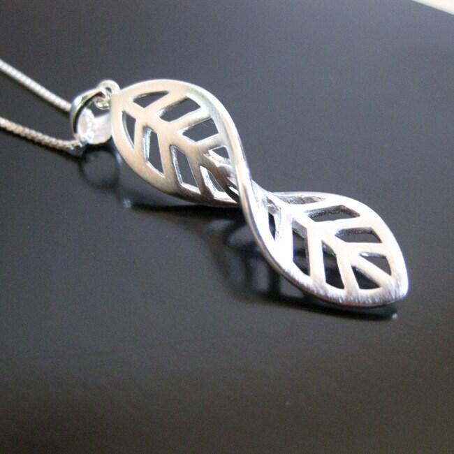 Sterling Silver Twist Leaf Necklace (Thailand)
