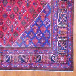 Persian Hand-knotted Josheghan Red/ Navy Wool Rug (9'7 x 13'2) - Thumbnail 2