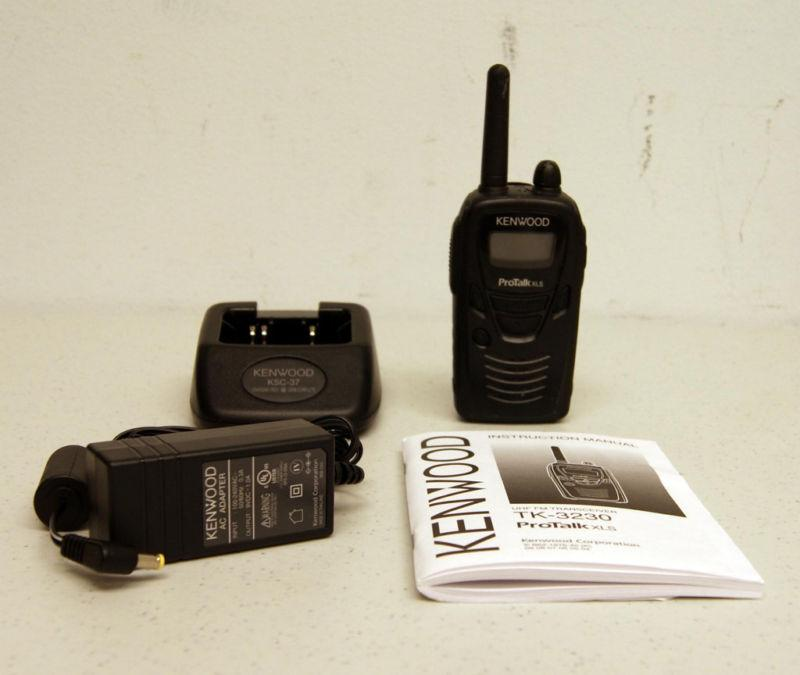 Durable 1.5 Watt Business Radio Comparable to Motorola CLS1110/CLS141