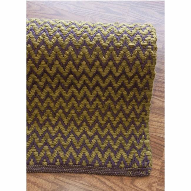 nuLOOM Handmade Herringbone Berber New Zealand Wool Plum Rug (5' x 8')