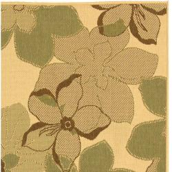 Safavieh Courtyard Floral Natural Brown/ Olive Green Indoor/ Outdoor Rug (5'3 x 7'7) - Thumbnail 1