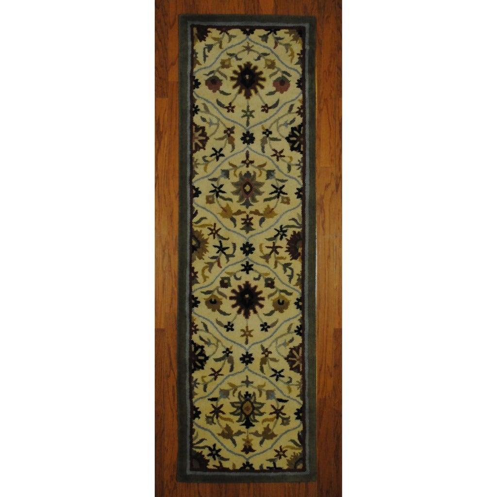 Indo Hand-tufted Tibetan Ivory/ Grey Wool Rug (2'3 x 7'10) (India)