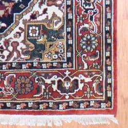 Indo Hand-knotted Heriz Black/ Rust Wool Rug (6'2 x 9'1)