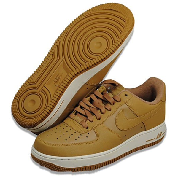 Nike Men's Air Force 1 '07 Athletic Shoes
