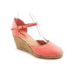 Judith Women's 'Rhonda' Fabric Dress Shoes