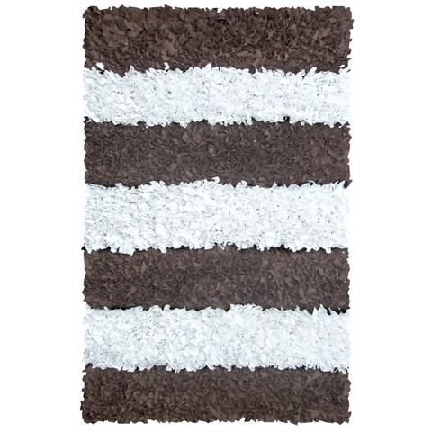 Manam Brown and White Stripe Shag Rug (5' x 8') - 5' x 8'
